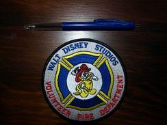 ECUSSON POMPIER DISNEY - Firemen