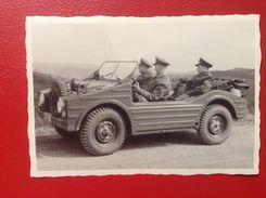 Foto WW2 Kübelwagen Soldaten Ca. 1945 - Ausrüstung