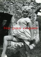 FEMME DEVÊTUE Vers 1950  GRANDE PHOTO 18 X 13 Cm - Pin-Ups