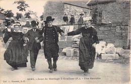 CPA 29 GOUEZEC JOUR DE MARIAGE UNE GAVOTTE - Gouézec