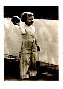 Carte Postale Neuve. Enfant à La Balle. - Portraits