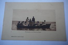 GUYANE   PROMENADE   SUR LE FLEUVE  EN  CANOT - Guyane