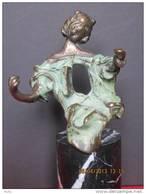 "Salvador Dali, Bronzen Beeld ""Madona De Port Ligat""  FRA 108/350. - Bronzes"