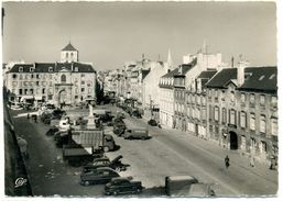 14 - CAEN - Place St Sauveur - Vieilles Voitures Et Camions - Caen