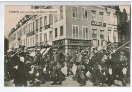 19432   CPA  CAMBRAI : Wird Vom Bay Landsturm Besetz ; Défilé Allemands Dans Cambrai :cachet Militaire Au Dos ! 1915 - Cambrai