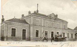 CPA - AVALLON (89) - Aspect De La Gare En 1904 - Diligence De Chanut Et Chapeau Rouge - Avallon