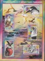 TAAF 2008 Yvert Bloc Feuillet 21 Neuf ** Cote (2015) 10.00 Euro Oiseaux Des îles Eparses - Blocks & Kleinbögen