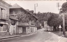 CPA - CPSM - 27 - ACQUIGNY - Vieux Logis - Acquigny