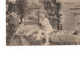 FANTAISIE---BONNE ANNEE----Bébé Nu-- Voir 2 Scans - Neonati