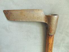 TRES ANCIEN DEPARTOIR DE TAVAILLONNEUR - Outils