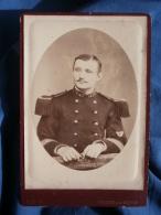 Photo Cabinet Léon à Verdun  - Militaire Sergent Major Du 147e D'infanterie, Insigne Bon Tireur L335 - Photographs