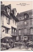 CPA Bretagne Finistère 29 Quimper - Vieilles Maisons De La Place Médard - Les Laitières - Quimper