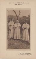 Afrique - Madagascar - Missions Religion - Le Révérend Père Théodore Et Deux Aspirants Malgaches - Madagascar