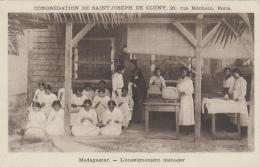 Afrique - Madagascar - Filles Enseignement Ménager - Missions Religion - Madagascar