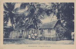 Afrique - Madagascar - Village De La Côte Est - Madagascar