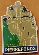Y 272.)........PIERRREFONDS     Département De L'Oise Dans La Région Hauts-de-France.   LE CHATEAU.......... - Städte