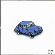Pin's Automobile - Renault 4CV (1956) - Version Bleue. Estampillé J.Y Segalen Collection. EGF. T550-07 - Renault