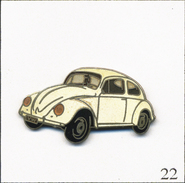 Pin's Automobile - Volkswagen Coccinelle - Version Blanche. Est. Démons & Merveilles. EGF. T550-22 - Volkswagen