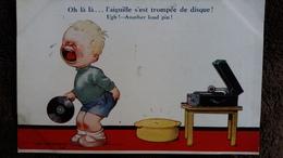 CPA DESSIN D ENFANTS GARCONNET PLEURANT CAR PIQUE PAR AIGUILLE TOURNE DISQUE D TEMPEST - Dessins D'enfants