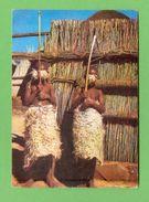 CPSM  LESOTHO  ~  BASUTOLAND  -  IV  Enfants Basutos Parés Pour L'initiation  ( 1964 )  2 Scans - Lesotho