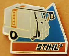 Y..311)...TRACTEUR/AGRICULTURE/OUTILS//................STIHL - Pin's