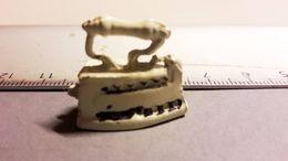 JOUET ANCIEN PLOMB Fer A Repasser - Toy Memorabilia