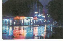 K2 Latvia SSR USSR Soviet Postcard Riga At Night Crossing Of Lenin Street & Merkela Strasse Sakta Shop Photo By Balodis - Latvia
