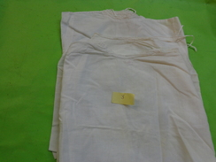 Lot De 3 Chemises De Bebe  Pour  Poupon Ou Poupee..5233 - Non Classés
