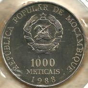 MOZAMBIQUE 1000 METICALS EMBLEM FRONT & POPE JPII VISIT BACK 1988 UNC KM?  READ DESCRIPTION CAREFULLY !!! - Mozambique