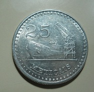 Mozambique 2 1/2 Meticais 1982 - Mozambique