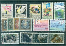 LIECHTENSTEIN . N° 1034 / 1048 Les 15 Tp N Xx Tb Cote : 38 € . - Collections