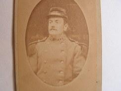 Photo Cdv Carte Visite Militaire A Identifier Col Marqué 129 Chevalier Lisieux - Guerre, Militaire
