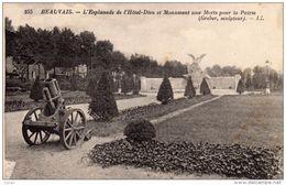BEAUVAIS  - L'esplanade De L'Hôtel-Dieu Et Monument Aux Morts Pour La Patrie. Carte écrite En 1916. 2 Scans - Beauvais