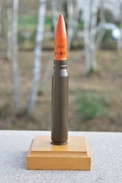 Militaria - Munition 20-F1 INERT Sur Socle En Bois De Présentation – Obus / Douille - Decorative Weapons