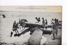 COTE D IVOIRE / EMBARQUEMENT DE L ACAJOU PAR LA BARRE - Côte-d'Ivoire
