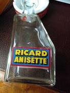 Vends CARAFE En Verre   RICARD Anisette Très Bon état - Jugs