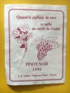 5267 - Quand Le Parfum De Rose Se Mêle Au Raisin De Gudet Pinot Noir 1996 Perroy  Suisse. - Etiquettes