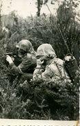 Photo Des Forces Aéro-portées D'Indochine 1946 - Parachutistes.Radio - Fliegerei