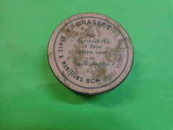 Boite  Fer Ronde Diametre 6.5cm Hauteur 2.3cm  F.grasset Armes Et Munitions Rue St Quentin Paris - Publicidad