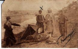 Carte Photo De Félix Bourgeois. Militaires Avec Prisonnier. - Guerre, Militaire