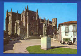 PC PORTUGAL BEIRA ALTA GUARDA CATHEDRAL & CAR CARS 60s - Postcards