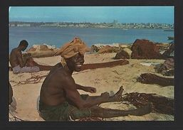 ANGOLA LUANDA 60s FISHERMAN AFRICA BLACK MEN NATIVES Postcard AFRIKA AFRIQUE Z1 - Postcards