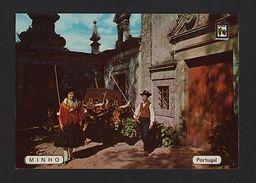 PORTUGAL MINHO Postcard 1960 Years BULL Cart Charriot Boeufs BULLS OXEN CART OX - Postcards