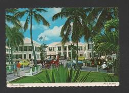 POSTCARD 1960yrs ANTILLES BAHAMAS RAWSON SQUARE Street Scene Cars Car Horse Cart - Postcards