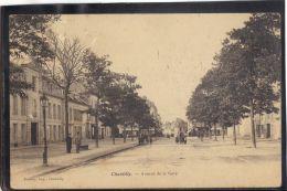 60297 .  CHANTILLY . AVENUE DE LA GARE  . (recto/verso)  ANNEE  1904 .  ANIMATION  . ATTELAGE - Chantilly