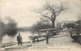 MIOS - Radeleurs Enlevant Les Poteaux De Mine Sur Le Leyre. - Autres Communes