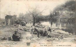 MIOS - Les Bords De La Leyre, Transport Du Bois. - Autres Communes