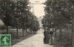 - GIGNY (89) - Avenue De La Gare (2 Femmes Au 1er Plan) -13298- - Otros Municipios