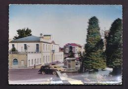CPSM 30 - ALES - Alès - L'Hôtel De Ville Et La Statue De Pasteur Animation + TB AUTOMOBILES - Alès