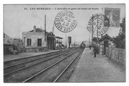 78 - LES MUREAUX - La GARE - L'Arrivée En Gare Du Train De Paris - Les Mureaux